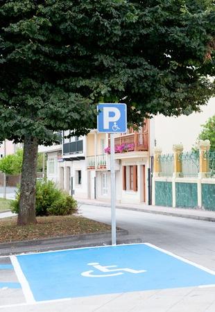 Nevedomosť alebo hlúposť bohatých pri parkovaní?